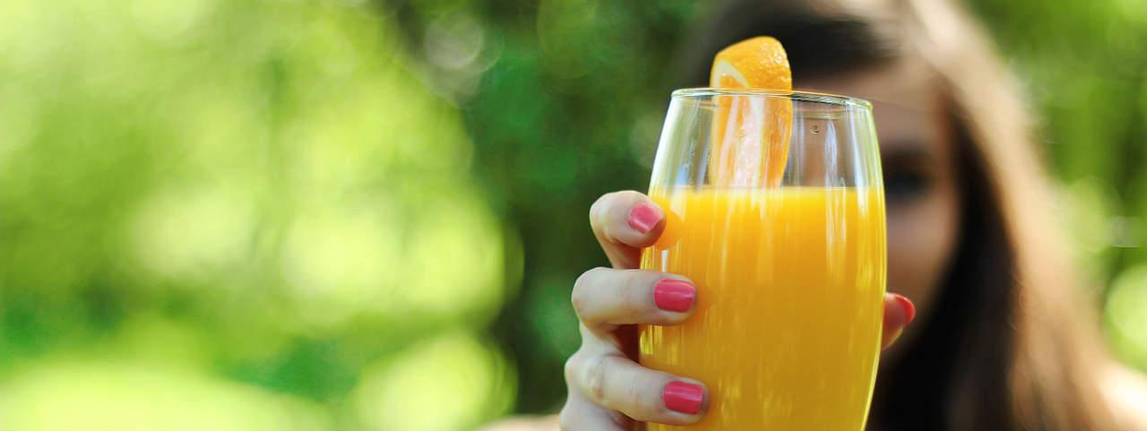 Een oranje smoothie kan in de winter en de zomer.