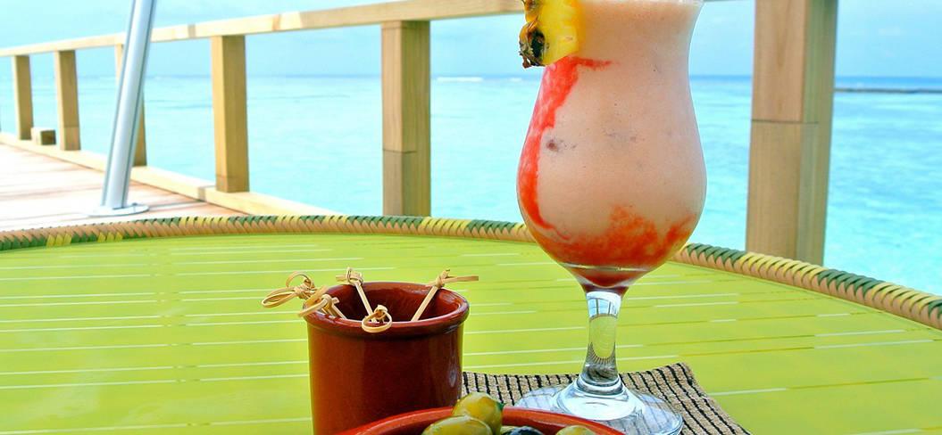 Elke dag een cocktail aan het water, olijfjes, snacks... het is vakantie!
